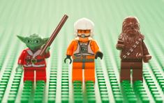 stock-photo-18823111-lego-star-wars-figures